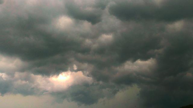 集中豪雨は今夏7043回、昨年の水準で多発 事前情報で対策を