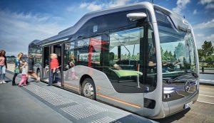 ダイムラーの自動運転バス、アムステルダムでテスト走行開始