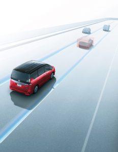 日産が自動運転技術搭載車 ミニバンクラスで世界初
