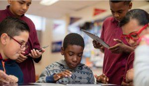 アップルの教育支援、利用生徒3万2000人超える 米国