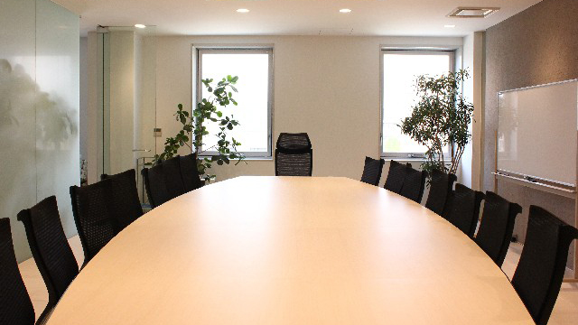 「日本は働く場として魅力ない」 経産省、企業の制度改革を後押し