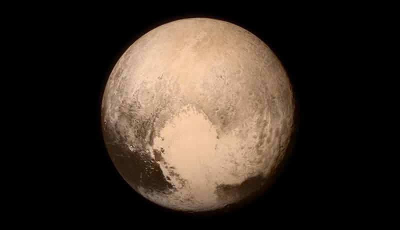 冥王星のクジラ模様は、カロンができた際の痕跡か