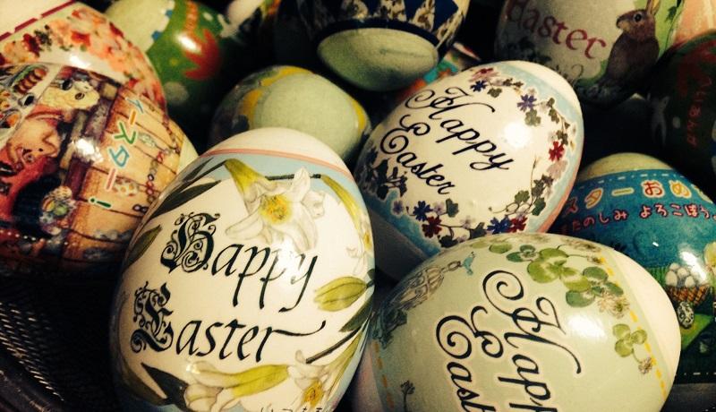 イースターシーズンには白い殻の卵が人気(ドイツ)