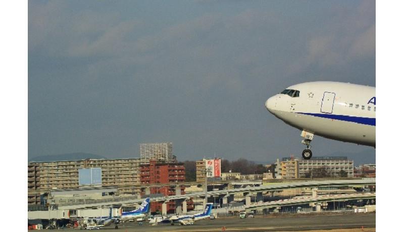 ANA、ベトナム航空と業務・資本提携 株式の8.8%を出資