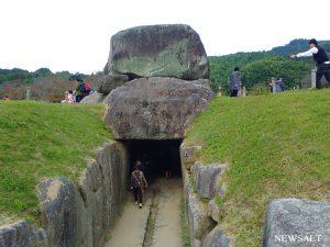 巨石の手積みで作られた 奈良・明日香村の石舞台古墳