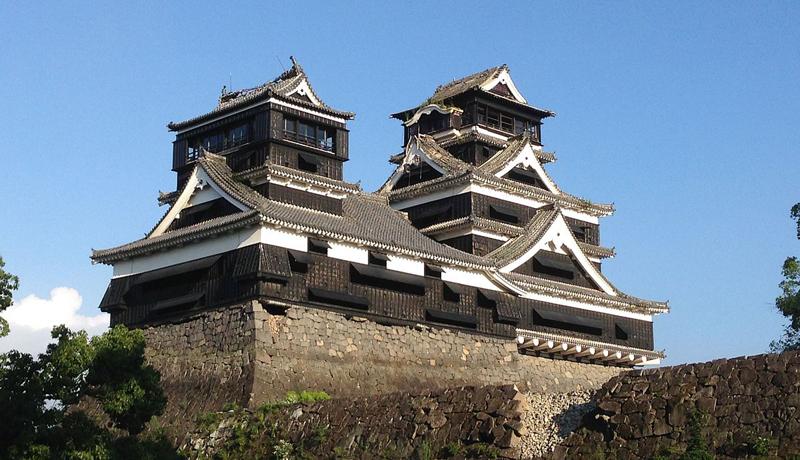 サンタクロースが熊本城の復興城主に