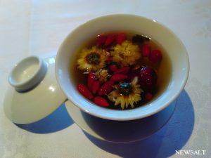 カフェめぐり 茶芸師のパフォーマンスに圧倒! 東京「四川豆花飯荘」