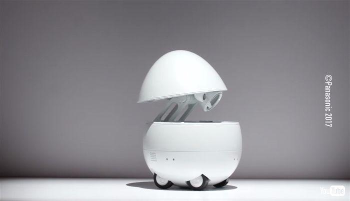 パナソニック、卵型の卓上ロボット発表 CES2017