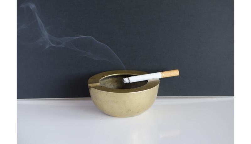 過去10年でドイツのたばこ消費量が減少