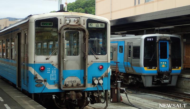 四国ローカル線の旅(1)四万十川〜瀬戸内海沿いを走る