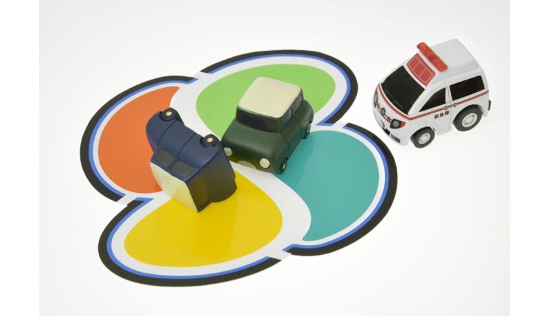 高齢ドライバーの交通事故増加、対策急ぐ