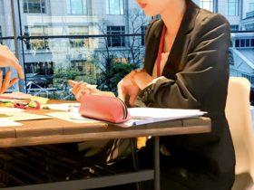 会社の女性活躍6割が実感、管理職の存在がカギ