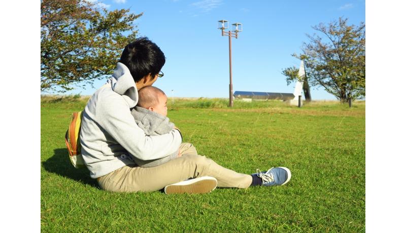 男性の育児休暇を阻む壁、間違った思い込みが一因か 九大調査
