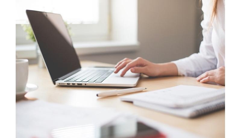 働き方改革している中小企業は4割 ベテランほど「効果感じず」