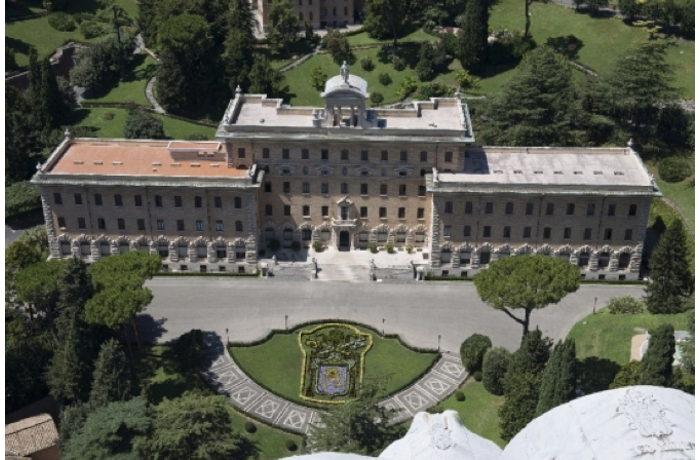 ローマ教皇 バチカン市内でたばこ販売禁止へ