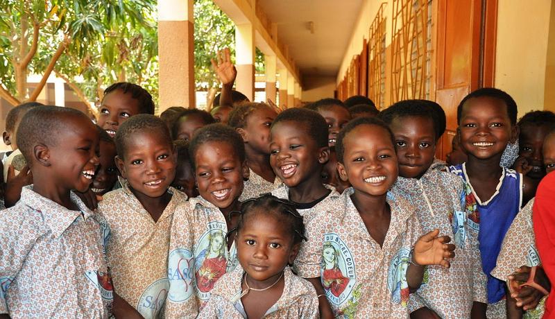 """サハラ以南アフリカ地域で、1億人弱の子どもが法的に""""存在しない""""状態"""