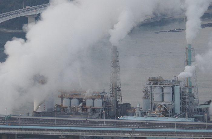 中国で天然ガス不足、企業活動や一般家庭に影響も