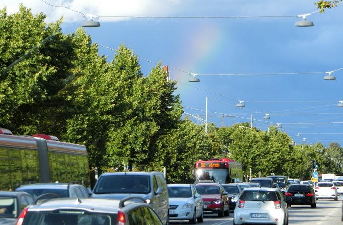 スウェーデンで自動運転バスが一般道走行を開始