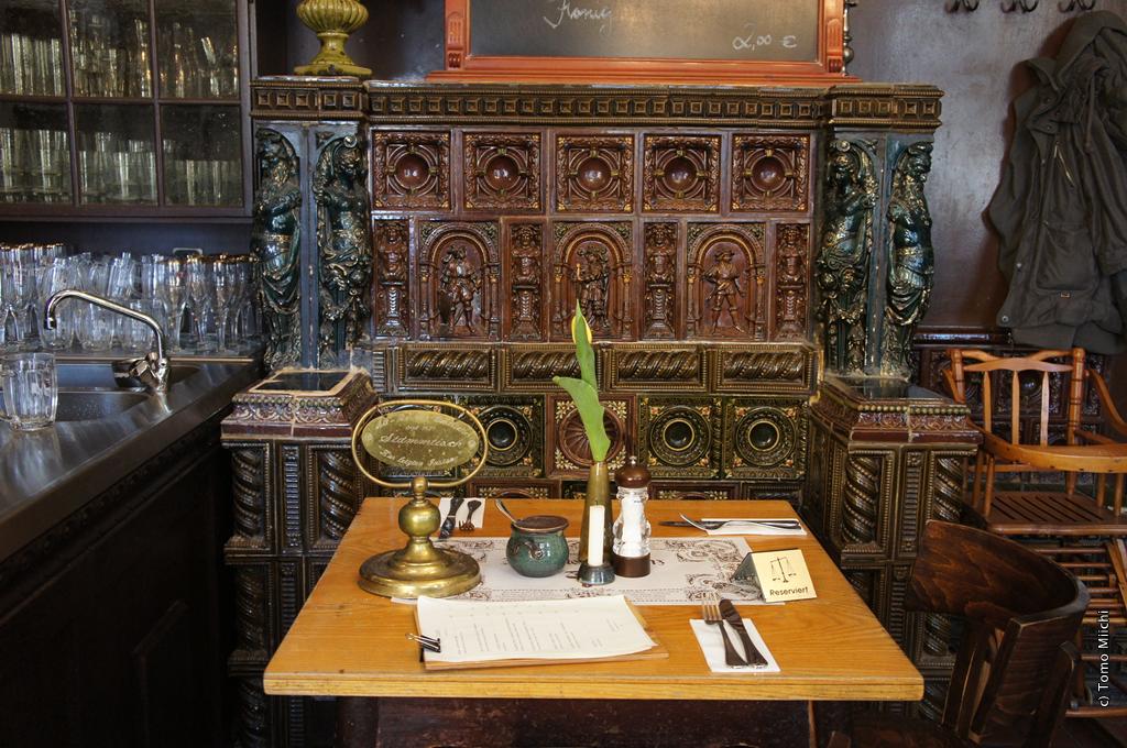 ベルリン最古のレストランで食べる古典派ドイツ料理