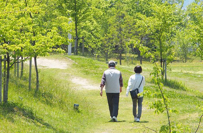 長寿の市町村、女性は沖縄がトップ 男性は?