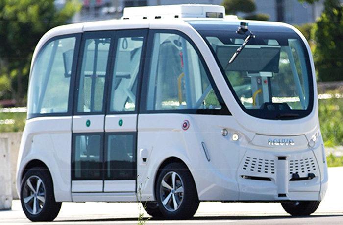 訪問者60万人の交通手段に 播磨科学公園都市で自動運転EVバス走行