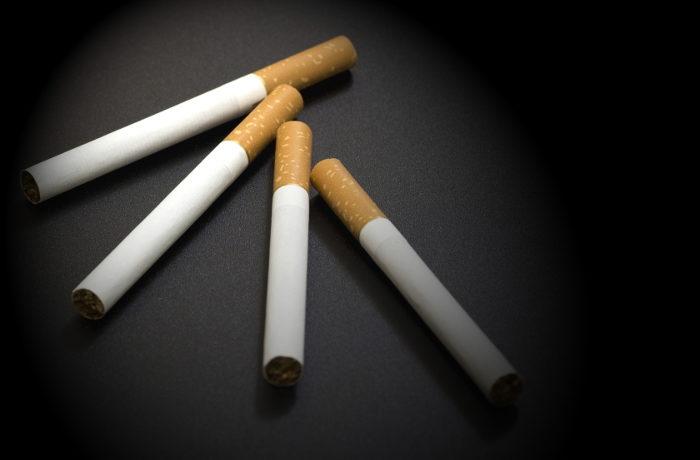 社会的弱者層ほど喫煙率高、健康寿命にも差(ドイツ)