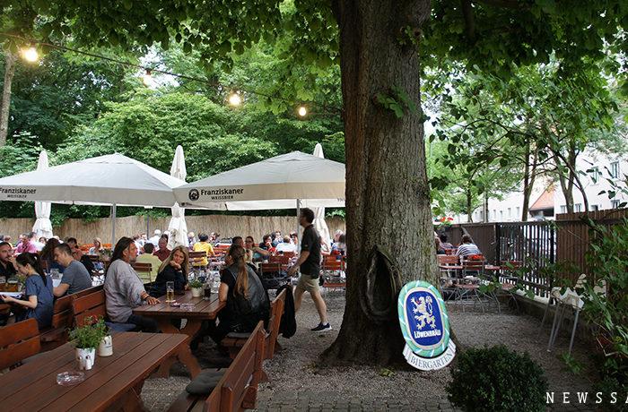 木陰のレストランで味わうミュンヘンの夏 ~ドイツ街めぐり・食めぐり(4)
