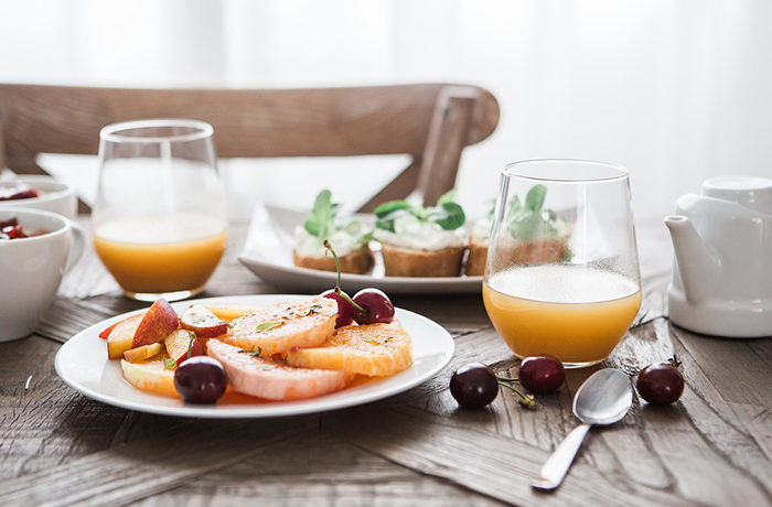 「朝食を毎日食べる」人は7割 最も多いのはパン類
