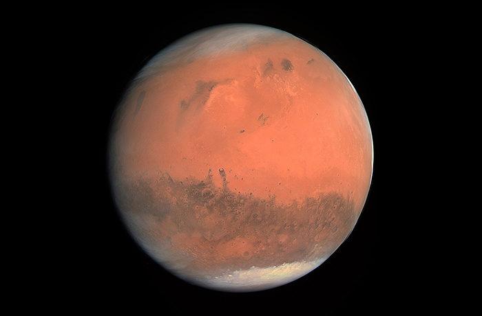 火星が地球に大接近 15年ぶり