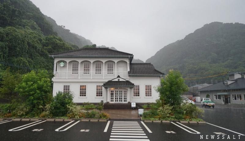島津家ゆかりの有形文化財で薩摩の歴史を感じ桜島の絶景を堪能できるスターバックス