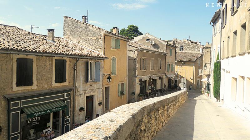 フランスの「最も美しい村」(5)ピカソが滞在していた村メネルブ