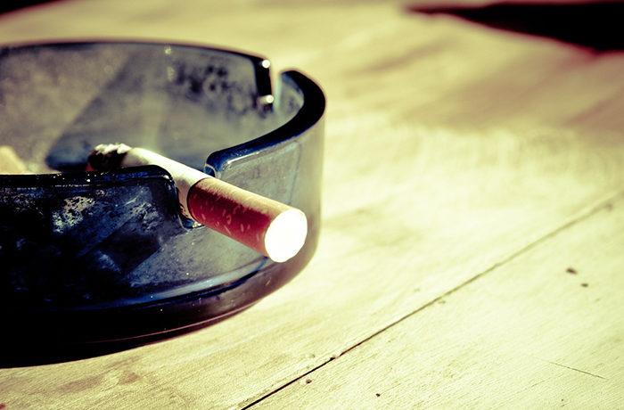 喫煙可の飲食店、6割が入店避ける