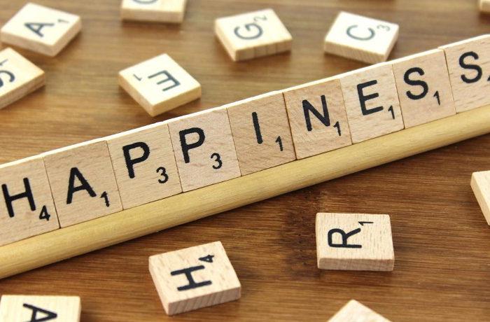 幸福度を決めるのは所得や学歴より「自己決定」 神戸大と同大が調査