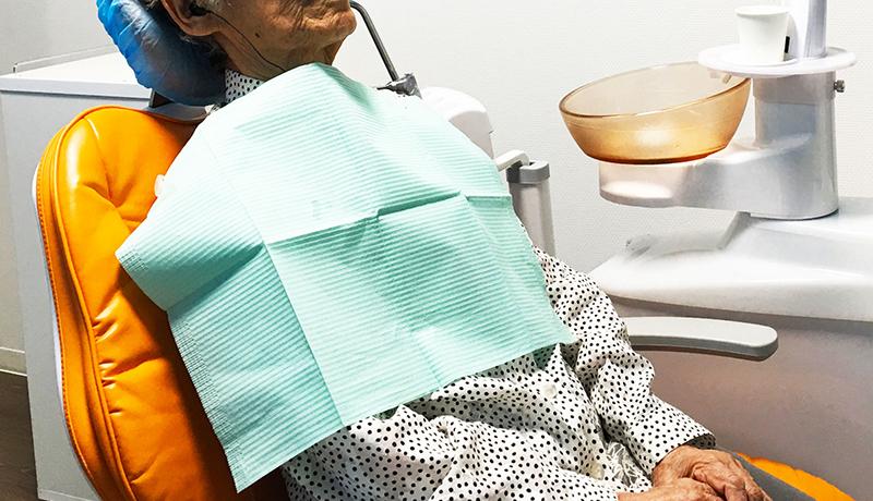 歯が少ないことで睡眠リスク、高齢者の健康に影響