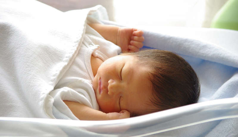 赤ちゃんの名前人気ランキング 男の子の1位は「蓮」、女の子は「葵」