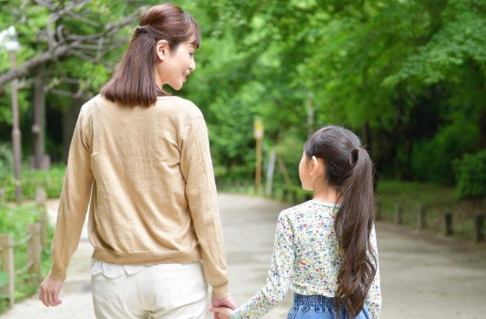 「働く親は楽しそう」か? 親子間の会話が多いほど子どもが前向き評価