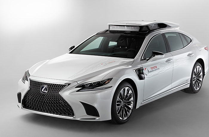 新型レクサスの最新型試験車両を自動運転テストに投入 トヨタ