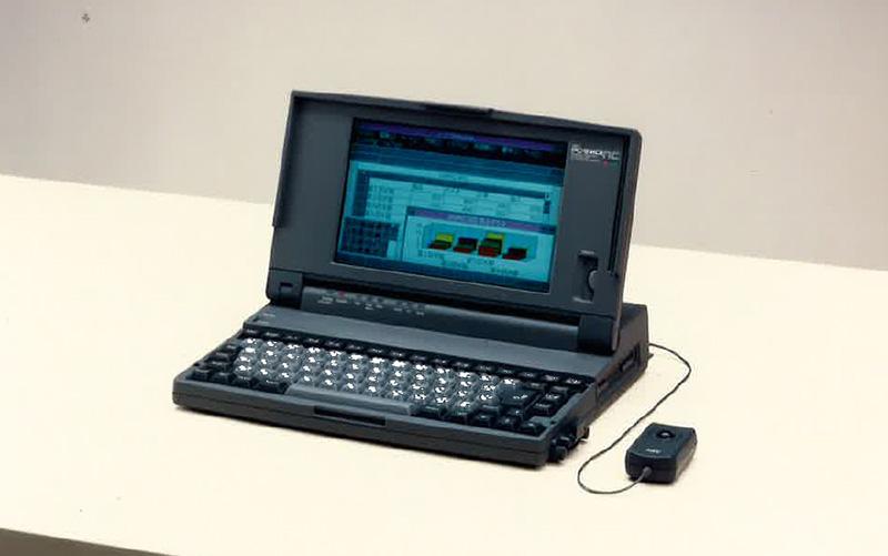 ノートパソコンや携帯電話、身近な情報機器の発展 前編