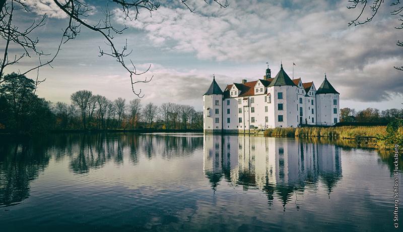 ドイツ北端の「幸運の城」グリュックスブルク城