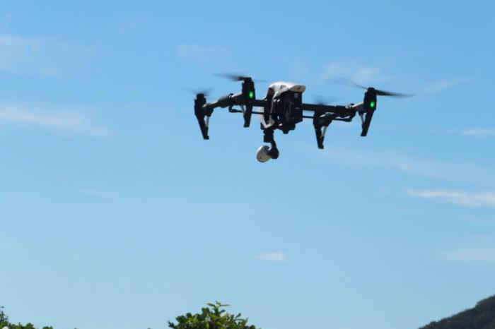衛星ドローンを山岳救助に活用 小型軽量の衛星通信装置を搭載