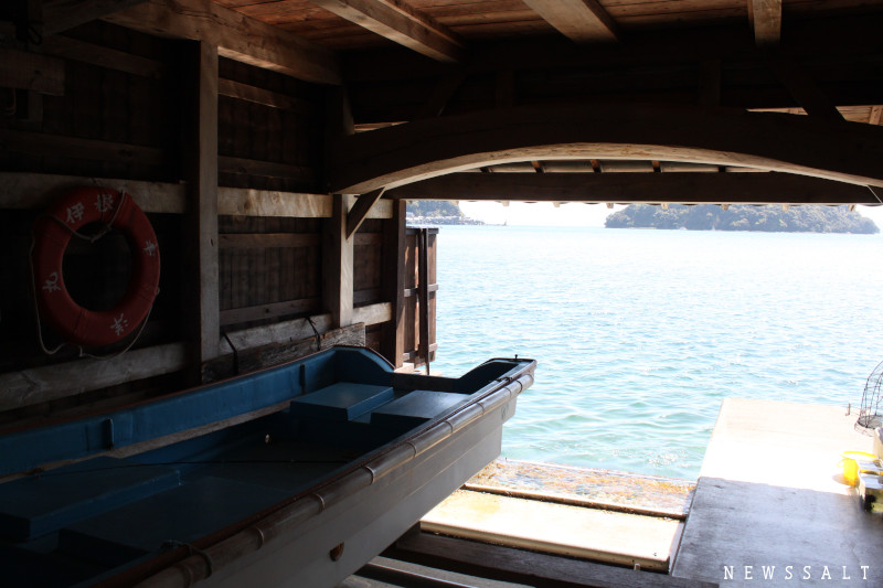 「日本で一番海に近い暮らし」を営む 京都・伊根の舟屋群