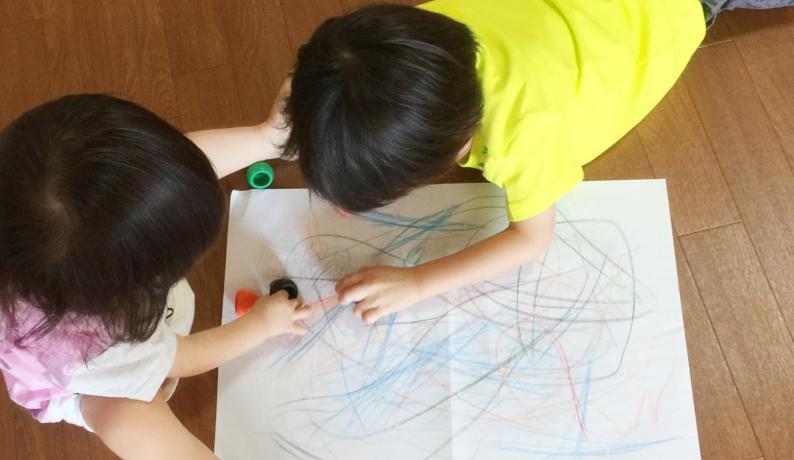 ベビーシッターの民間資格「育児師」に700人以上の応募者
