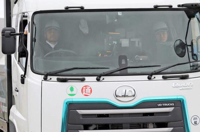 日本初、北海道の公道で自動運転レベル4のトラックが走行
