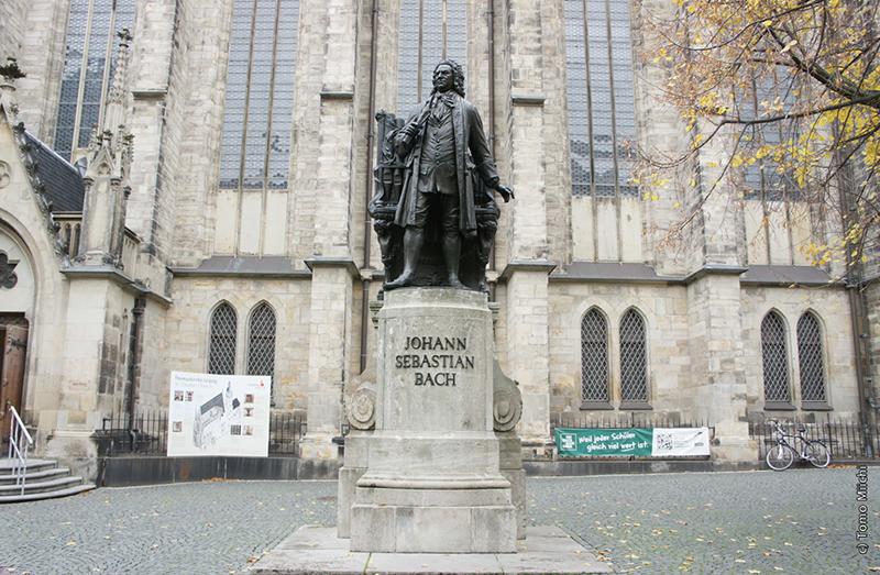 音楽の街ライプツィヒの、歴史を見つめてきた2つの教会