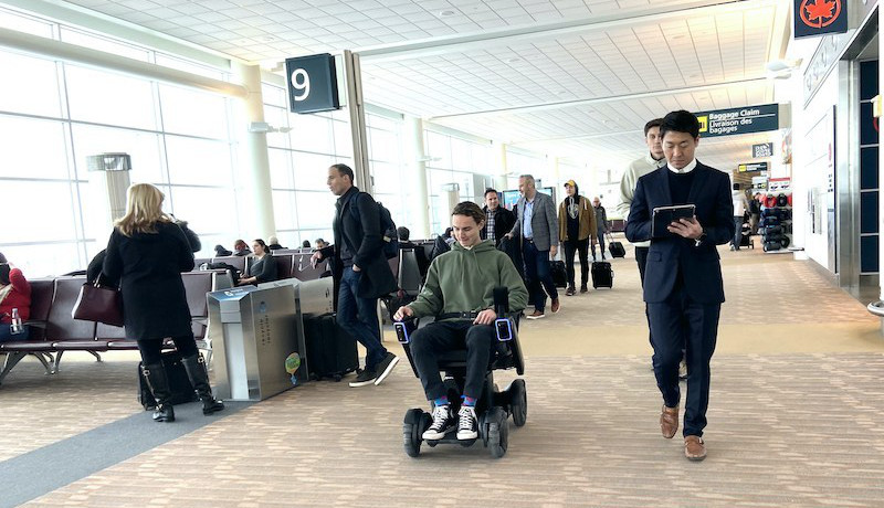 自動運転車椅子、2020年度から実用化へ WHILL
