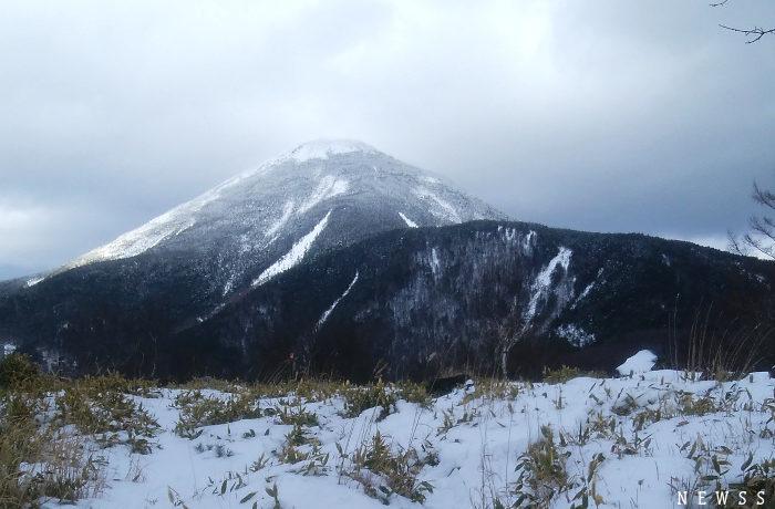 新春の蓼科、野鳥の生息地と雪を頂いた山々